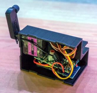 Этот крохотный робот мог быть создан Риком и его внуком Морти
