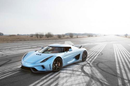 Электромобиль Tesla Roadster заставил производителей суперкаров дорабатывать свои машины