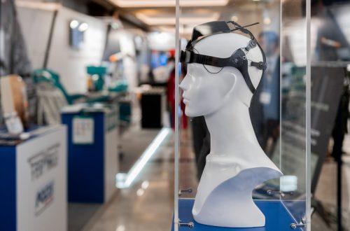 В России создан шлем для мысленного управления другими устройствами