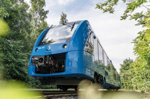 В Германии запустили первые поезда на водородных топливных элементах