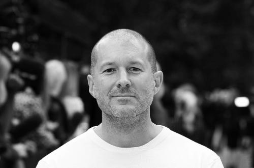 Дизайнер iPhone, iPad, iMac и прочих устройсв Apple получит награду имени Стивена Хокинга