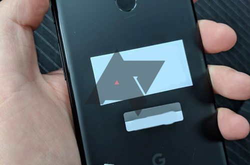 Новенький смартфон Google Pixel 3 XL забыли в такси