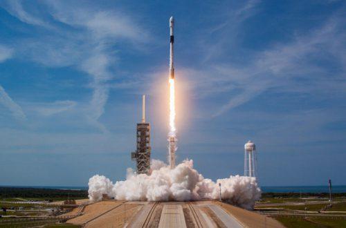 19 ноября SpaceX впервые использует первую ступень ракеты Falcon 9, которая до этого использовалась уже дважды