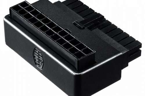Переходник Cooler Master ATX 24 Pin 90° позволяет аккуратнее уложить кабели в системном блоке