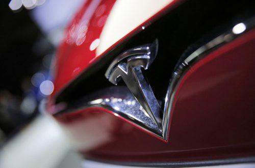 Tesla вышла в прибыль и приступает к производству кроссовера Model Y