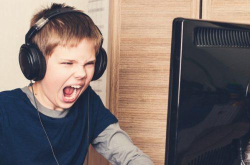 Россиян затроллили на Reddit за крикливость в играх и сравнили с шумом от самолета