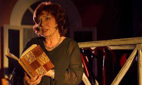 Рецензия на спектакль «Снился мне сад…», Театр музыки и поэзии п/р Елены Камбуровой. Конец прекрасной эпохи