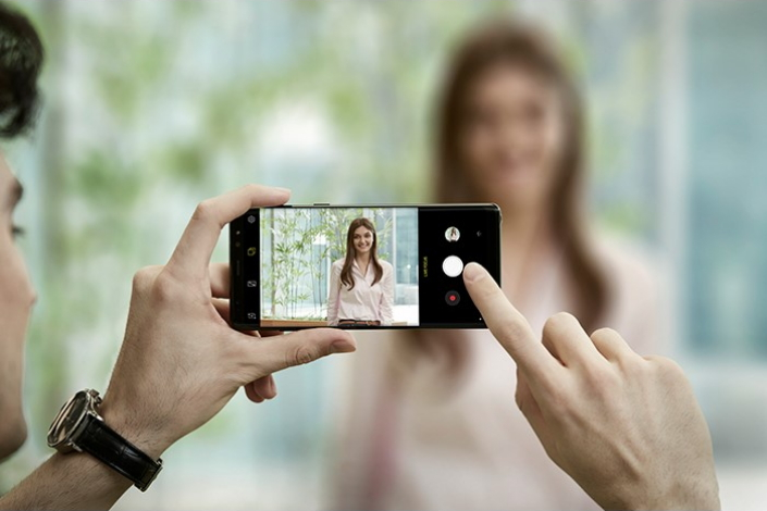 Лидер Samsung настоял на улучшениях камеры Galaxy S10