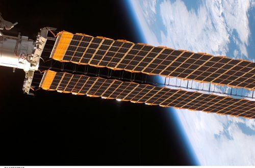 Китай в ближайшие шесть лет разместит на орбите несколько солнечных электростанций
