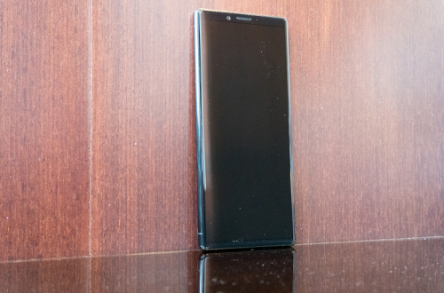 Большая подборка видеороликов о Sony Xperia 1, Xperia 10 и 10 Plus