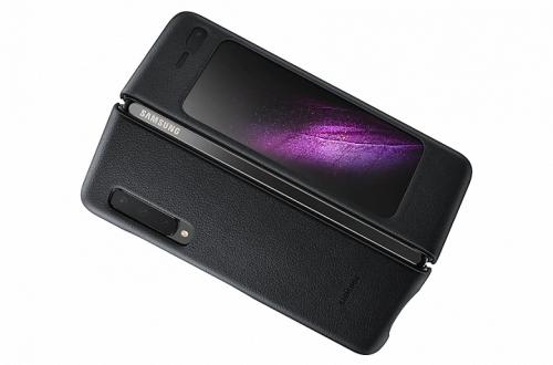 Стоит как одна шестая iPhone. Фирменный кожаный чехол для Samsung Galaxy Fold засветился в сети