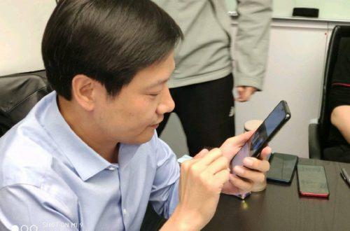Флагман Redmi на базе Snapdragon 855 позирует на фото с главой Xiaomi