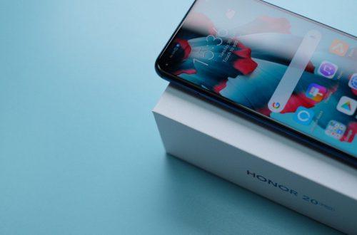 Отверстие в экране. Камерофон Honor 20 Pro с коробкой засветился на фото