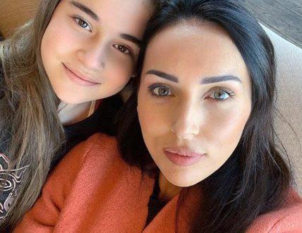 """Алсу впервые прокомментировала скандал вокруг победы своей дочери в шоу """"Голос. Дети"""""""