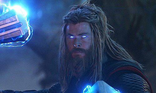 Тор получил новый молот, который сильнее предыдущих