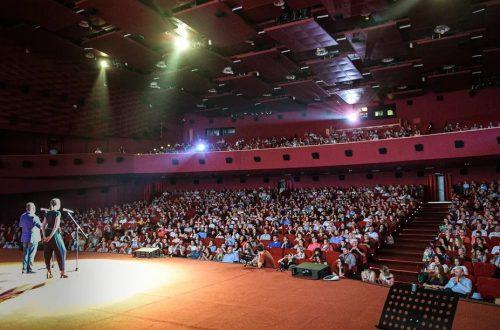 Сергей Сельянов, Нигина Сайфуллаева, Геннадий Хазанов, Илья Стюарт на церемонии открытия 5-го МЕКФ