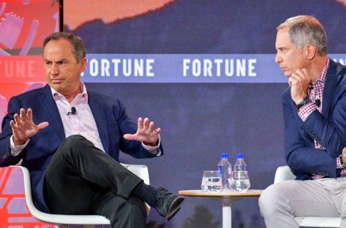 Гендиректор Intel считает, что компания поспешила с освоением норм 10 нм