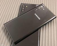 Реалистичные макеты Samsung Galaxy Note10 и Galaxy Note10+ сфотографированы со всех сторон