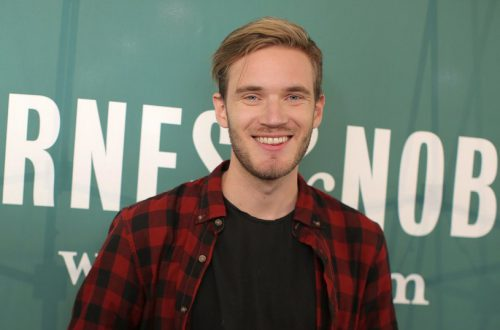 Самый популярный видеоблогер в мире набрал 99 млн подписчиков