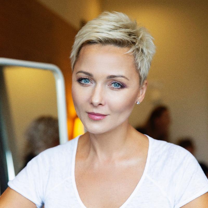 Дарья Повереннова сравнила свои фото в купальнике спустя 20 лет