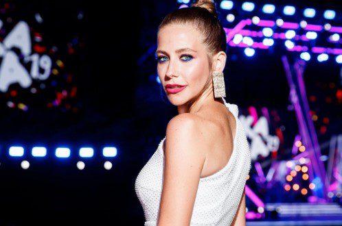 Юлия Барановская позабавила поклонников танцами на улице под песни Лепса и Киркорова