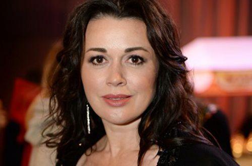 Представители Анастасии Заворотнюк опровергают слухи о том, что актрисе диагностировали рак мозга