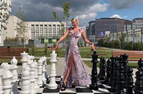 Анастасия Волочкова подразнила подписчиков, сняв запрет на комментарии
