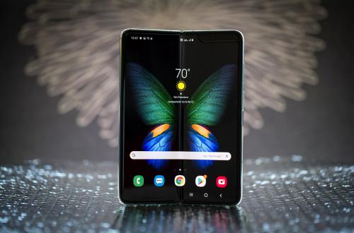 В России раньше времени раскупили всю первую партию смартфона Samsung Galaxy Fold по 160 тысяч рублей