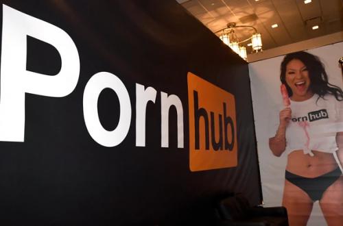 PayPal оставила Pornhub без денег. Более ста тысяч авторов порно лишились заработка