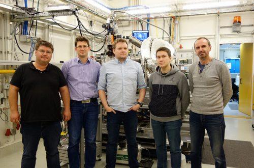 Российские ученые смогли изучить распределение электрического потенциала внутри сегнетоэлектрического конденсатора — основы памяти будущего