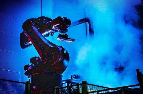 Даже роботы переезжают в Китай. Adidas закрывает свои роботизированные заводы в Европе и США