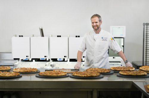 Пиццу для посетителей выставки CES 2020 будет готовить робот
