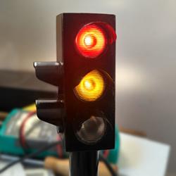 Игрушечный светофор для ребёнка своими руками