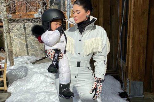 Годовалая дочь Кайли Дженнер восхитила сеть своими навыками сноубординга