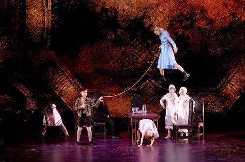 Сказочный концерт с детьми в шоу «ТАНЦЫ» на ТНТ: «Алиса в стране чудес», «Гринч – похититель Рождества» и «Мэри Поппинс»