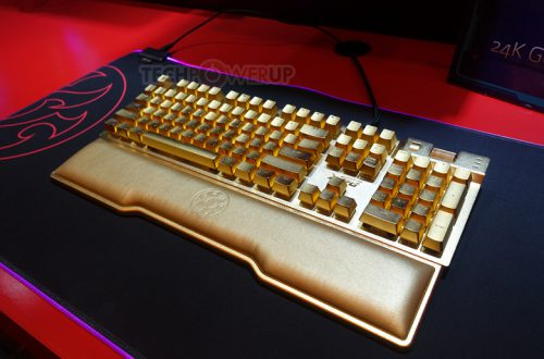Клавиши клавиатуры Adata XPG Golden Summoner покрыты золотом