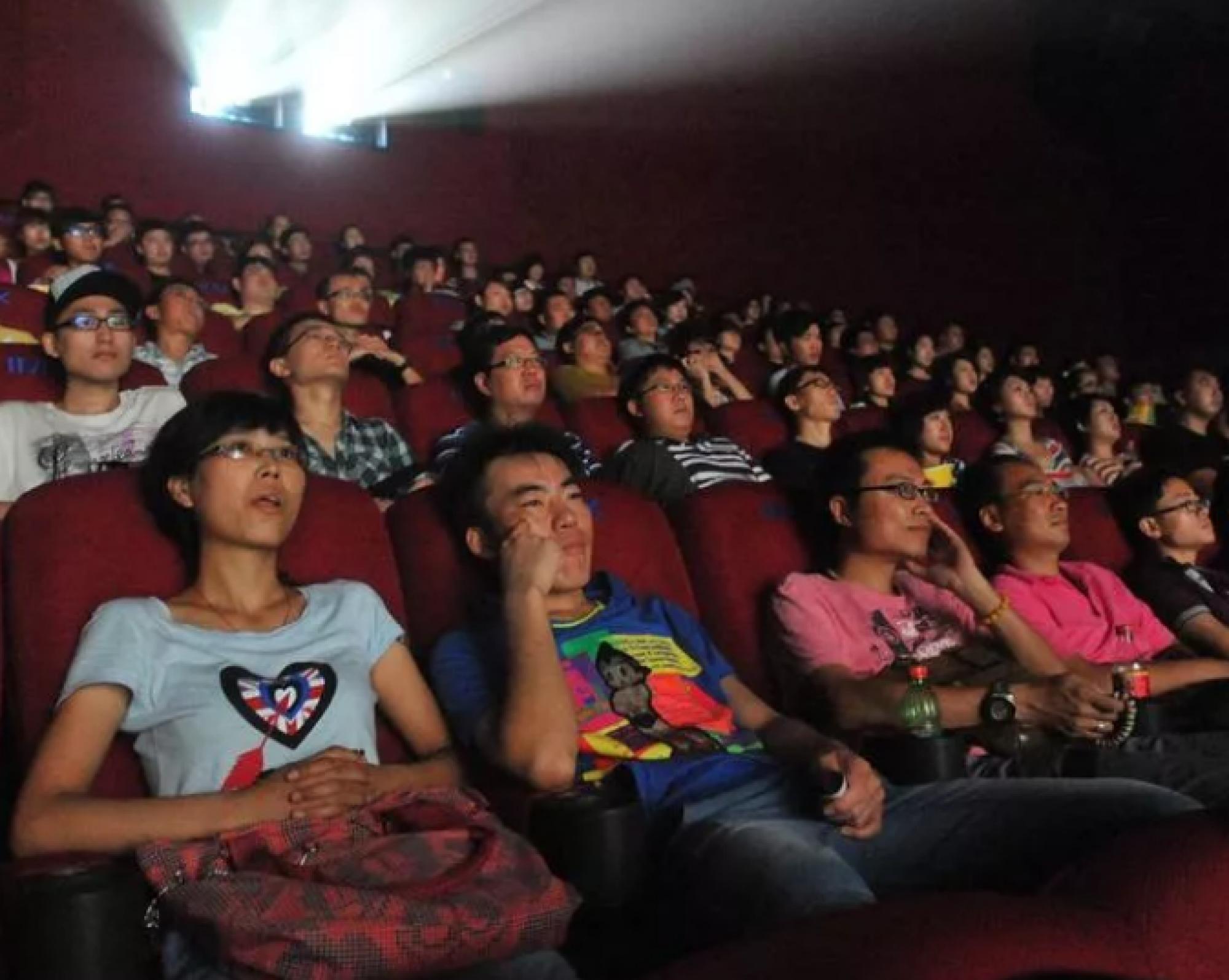 Китай открыл более 500 кинотеатров после преодоления вспышки коронавируса