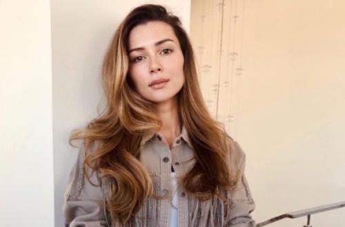 Дочь Анастасии Заворотнюк пообещала, что мать вернется на телевидение