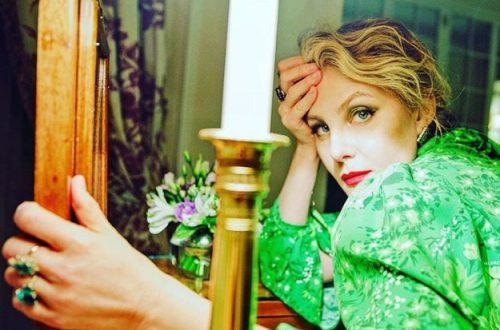 """Сама сшила! Из марли"": Рената Литвинова похвасталась навыками рукоделия"