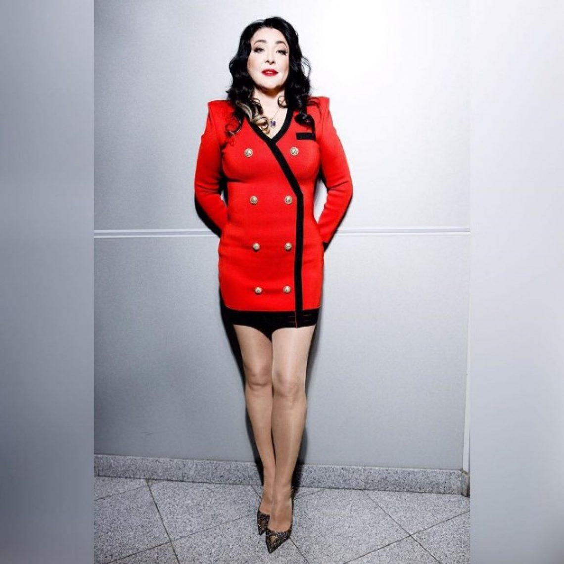 """""""Я крутая тётка"""": Лолита Милявская поразила поклонников стройной фигурой в облегающем наряде"""