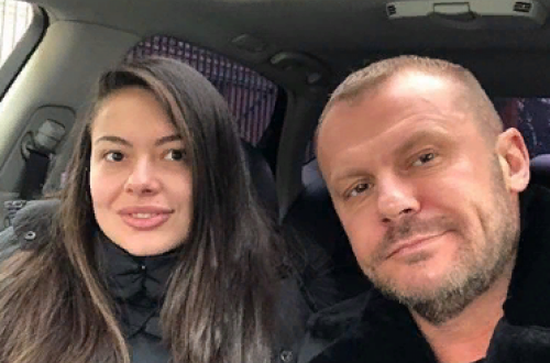 Набросившаяся на таксиста девушка оказалась дочерью бывшего супруга Елены Берковой