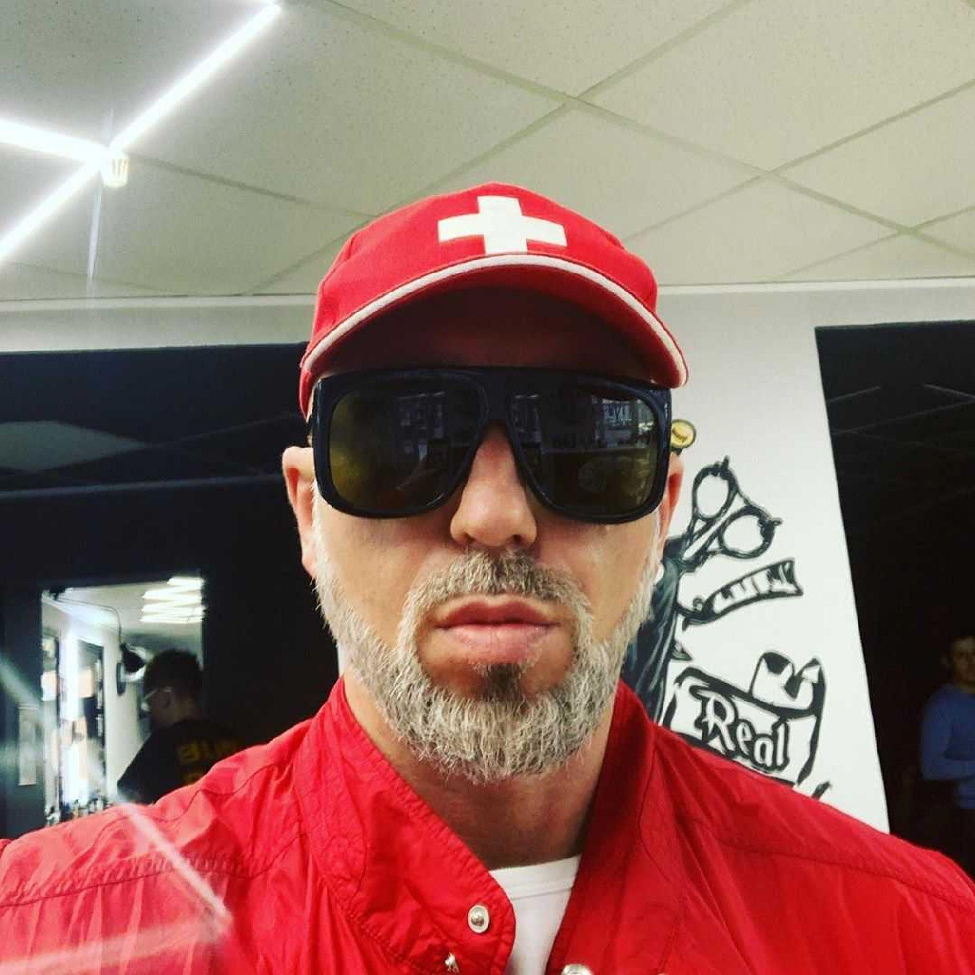 Давид Манукян и рэпер Серёга собираются устроить судебные разборки