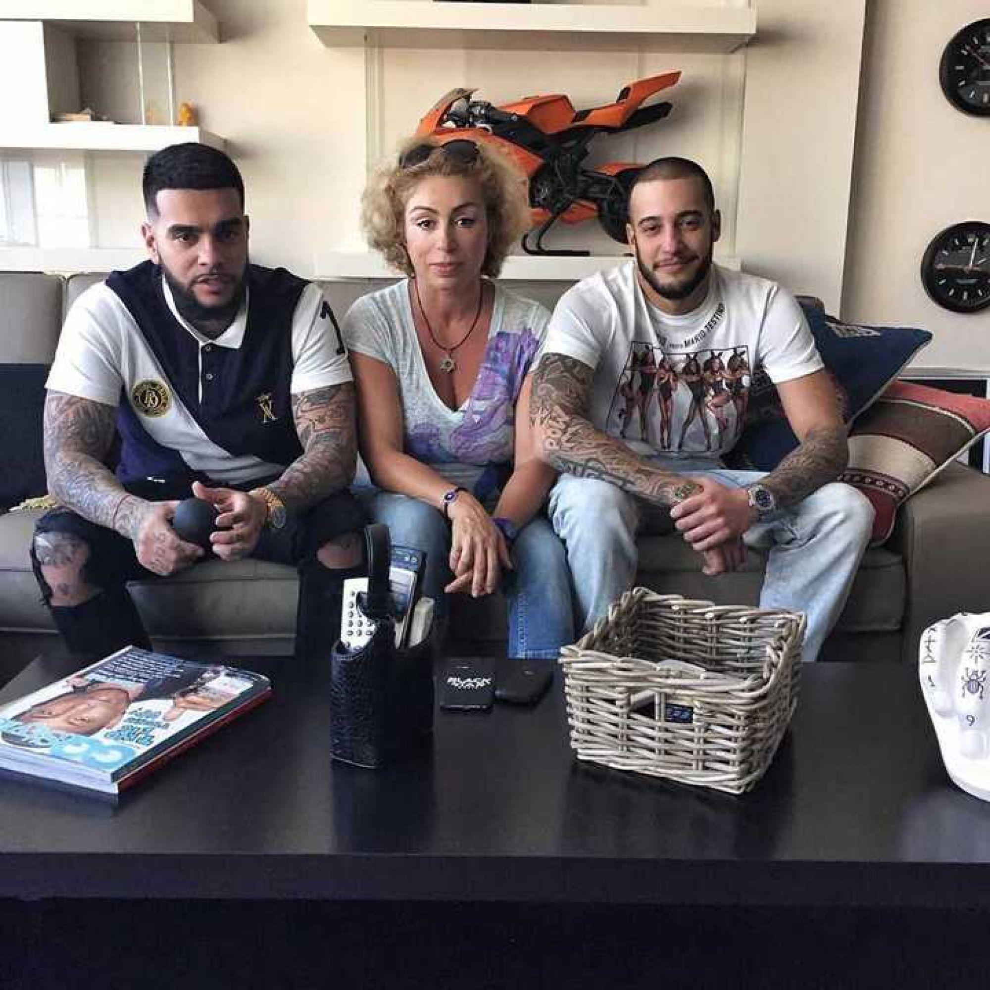 «Напряженные отношения?»: Мама Тимати не подписана на его супругу Анастасию Решетову