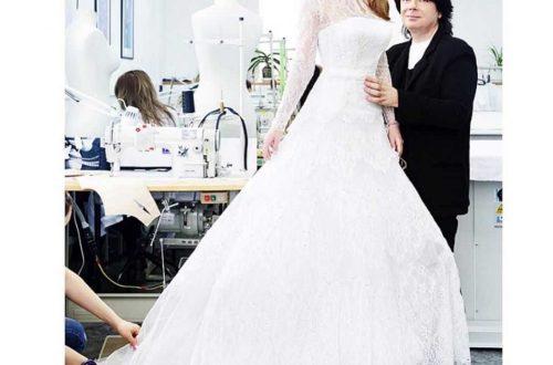 Отец Галины Юдашкиной показал дочь в свадебном платье