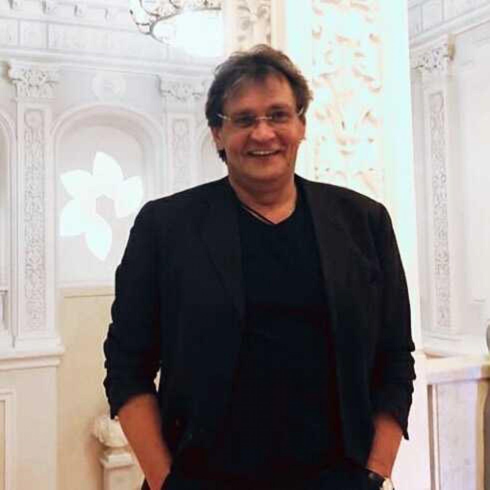 Александр Домогаров отказался выходить на сцену из-за критики Михаила Ефремова