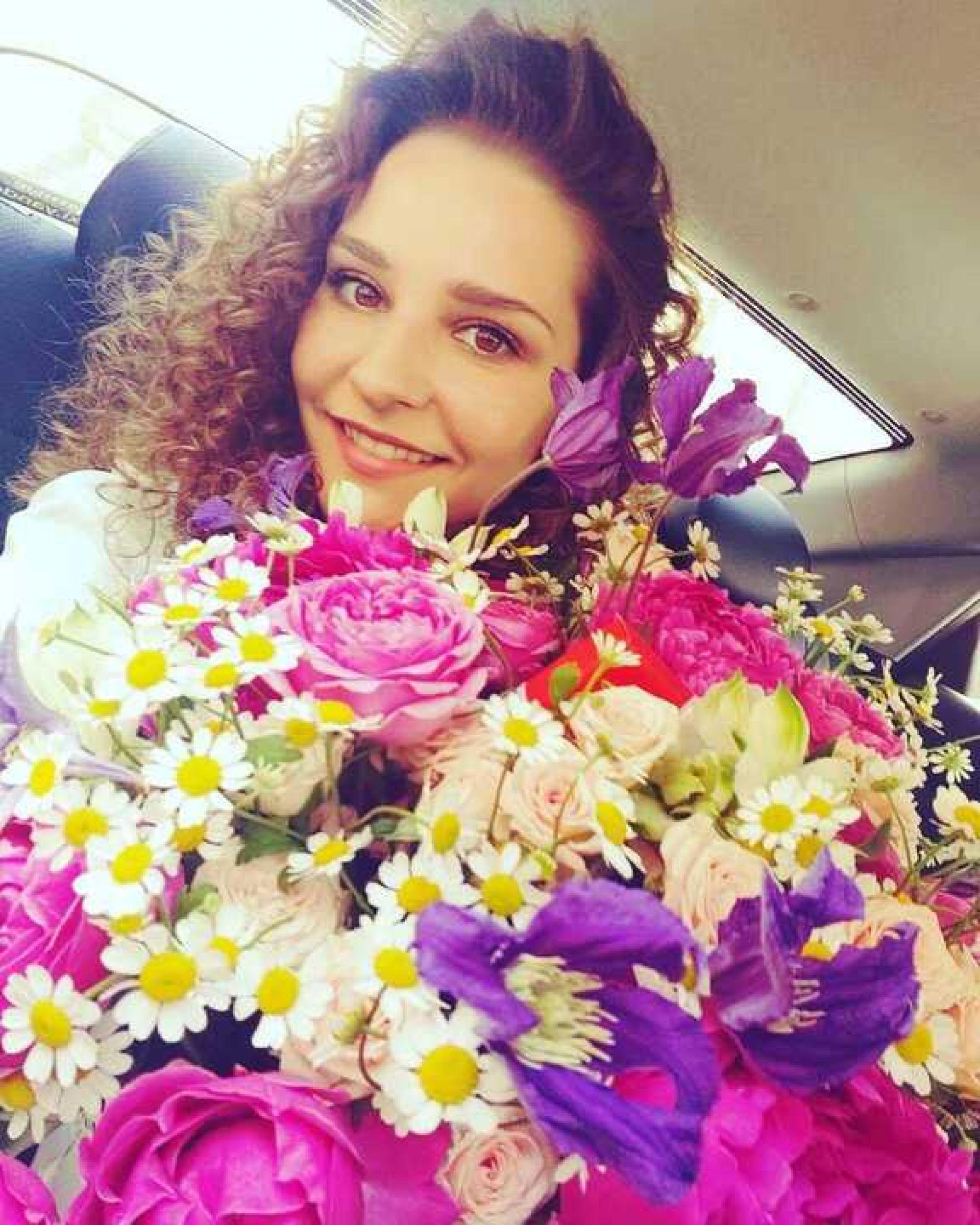 Глафира Тарханова ответила фанатам на вопрос о своей пятой беременности