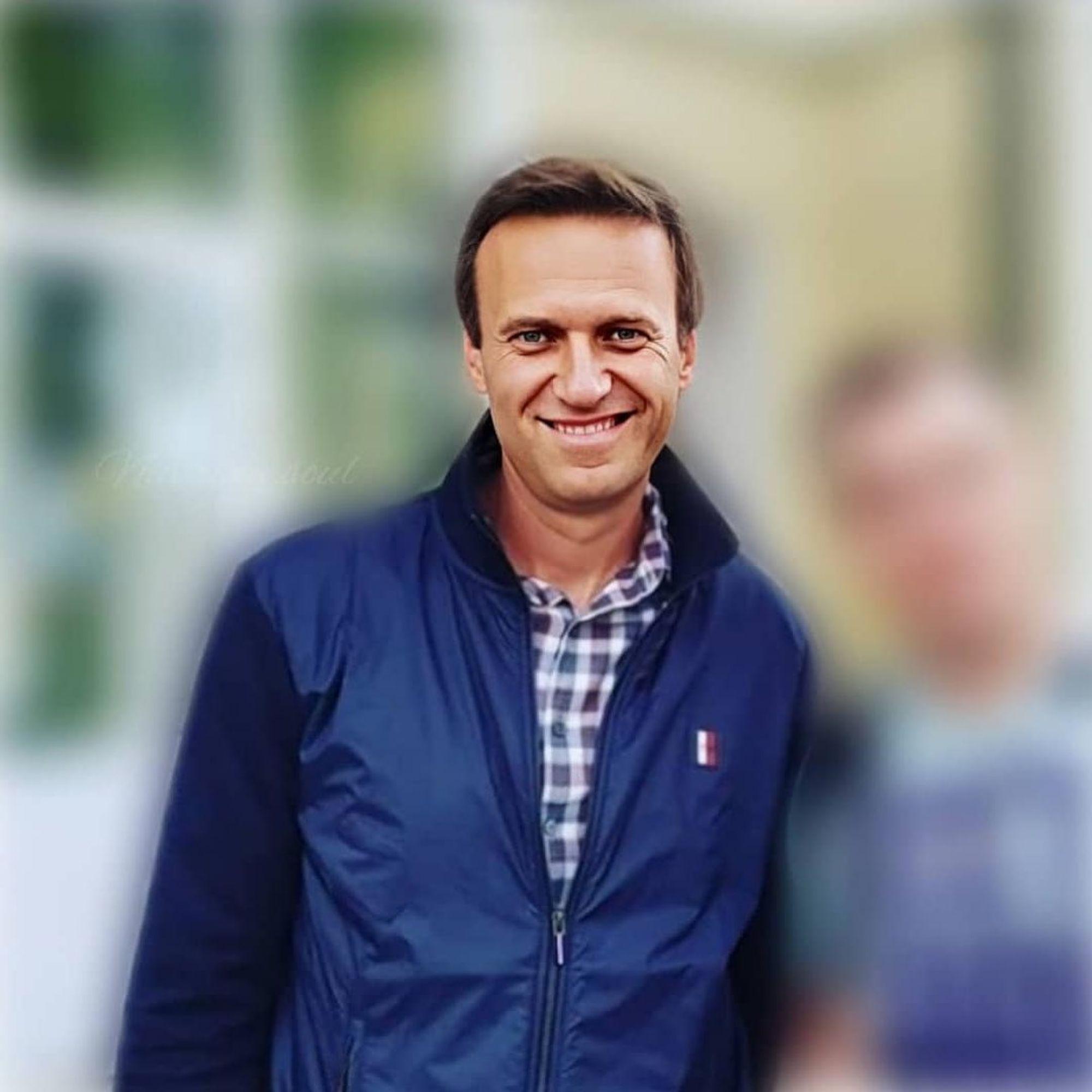 Навальный впал в кому, он находится на аппарате ИВЛ