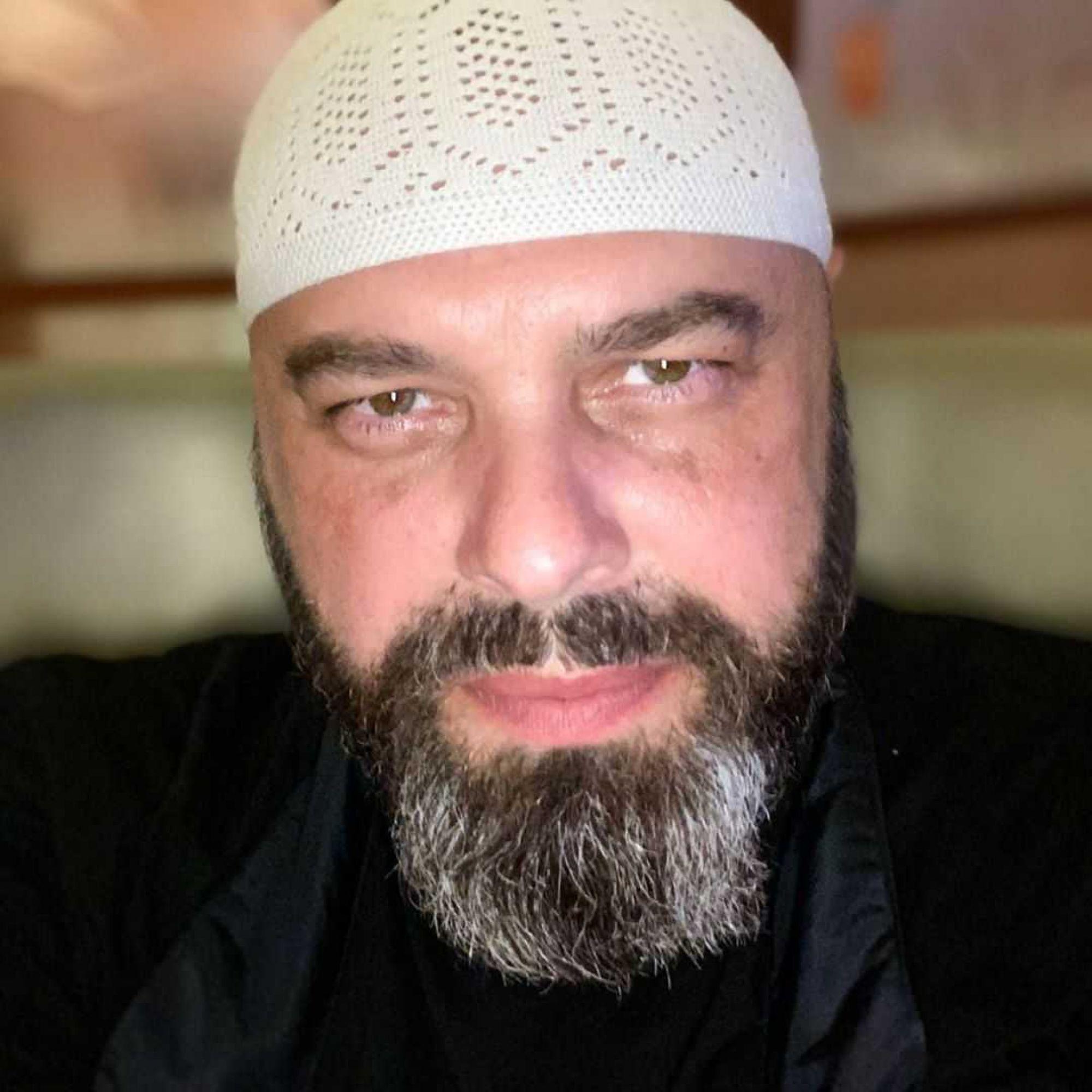 «Мама грибов насобирала!»: Максим Фадеев поделился добытым в лесу урожаем
