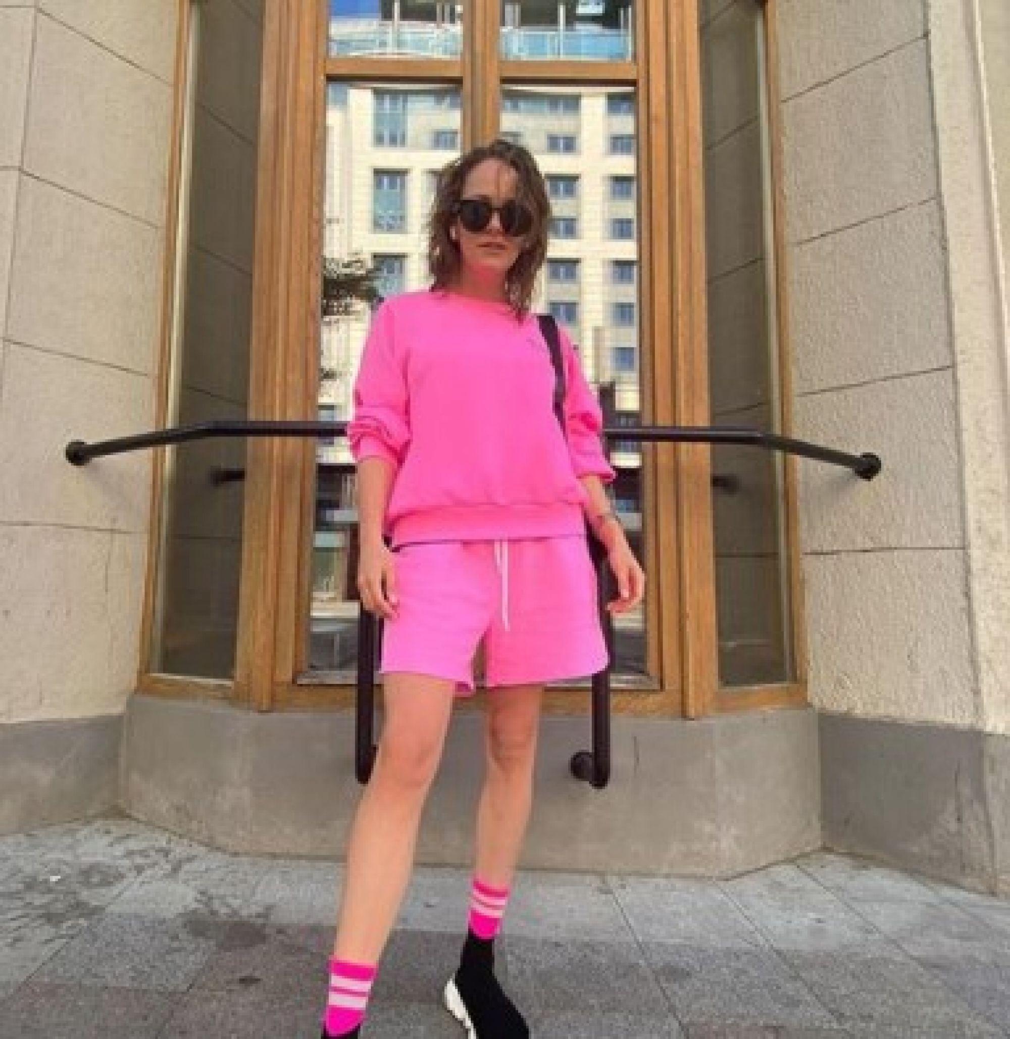 Аглая Тарасова в красном белье растрогала поклонников