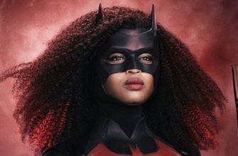 Первые постеры с новой Бэтвумен в Arrowverse